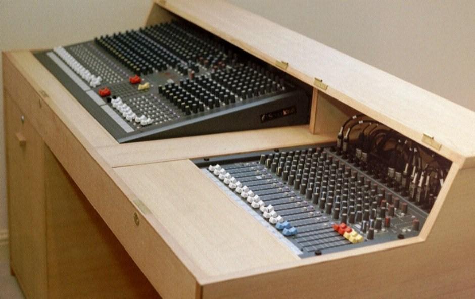 church sound systems by communique audio tel 01387 880758. Black Bedroom Furniture Sets. Home Design Ideas